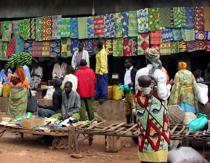 rwanda-market-scene-open-markets-like-these-bolster-small-businesses-700x544